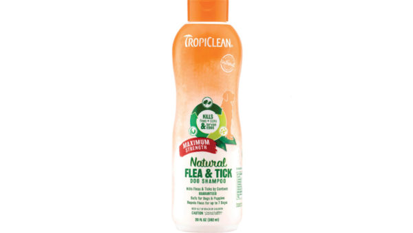 TropiClean Maximum Strength Natural Flea & Tick Dog Shampoo, 355 ml