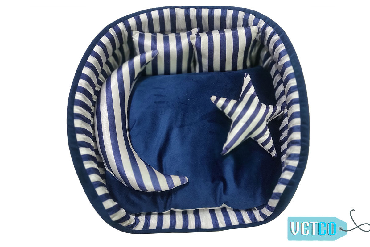 133292000Barks n Wags White & Blue Striped Cuddler Dog & Cat Bed5896