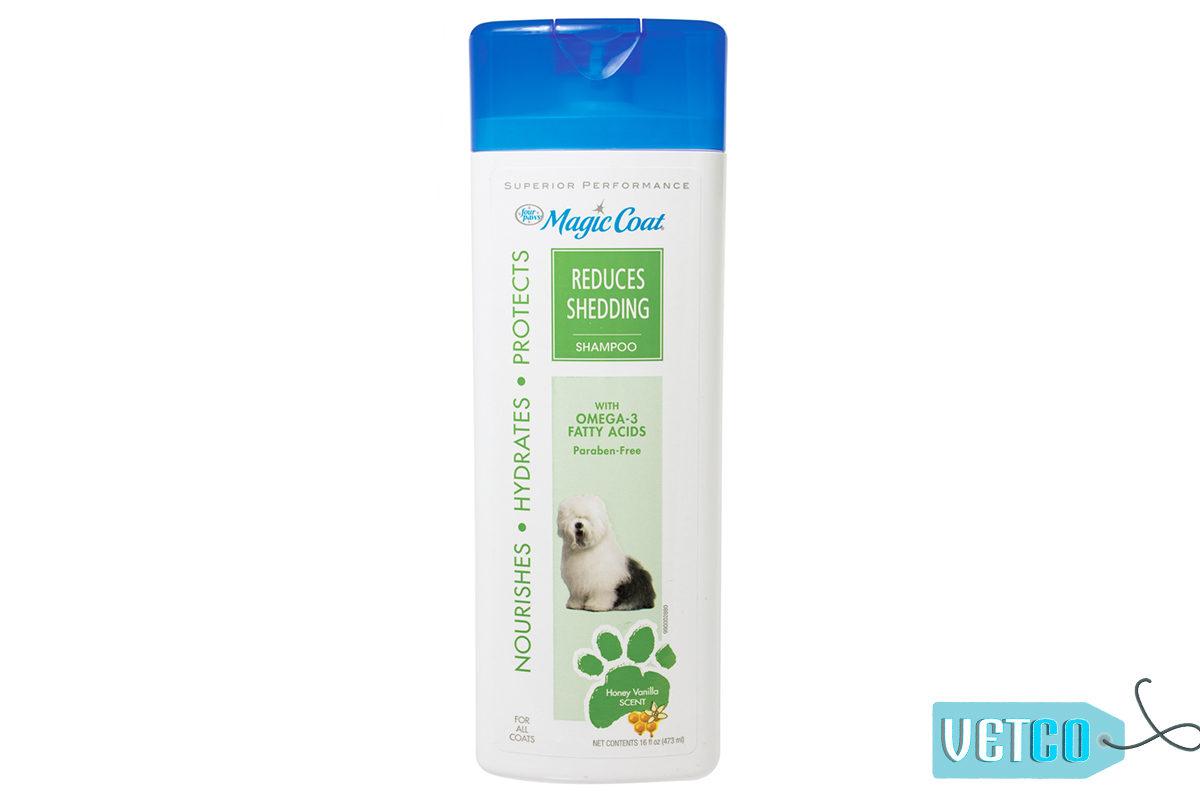 Four Paws Magic Coat Reduces Shedding Dog Shampoo, 473 ml